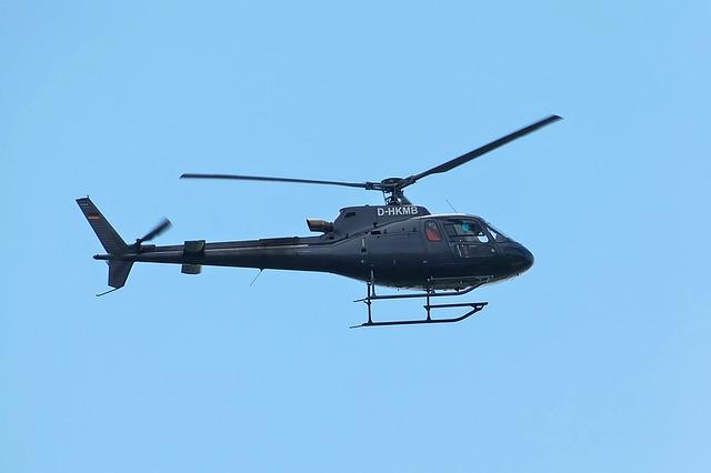 letící vrtulník
