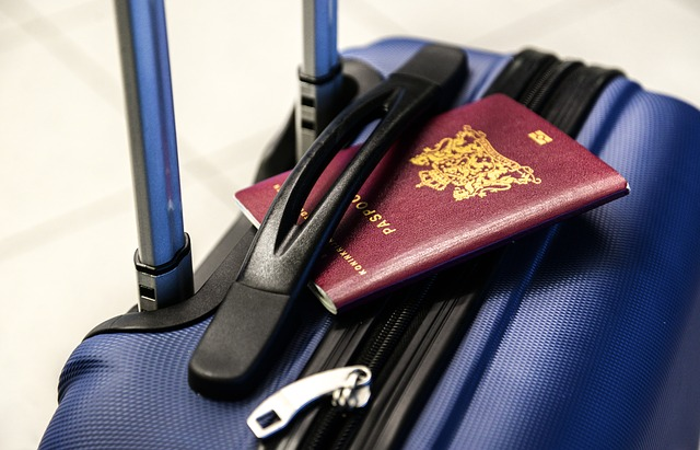 kufr s pasem